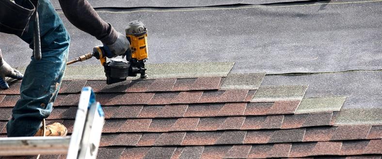 Roofing contractors lake villa